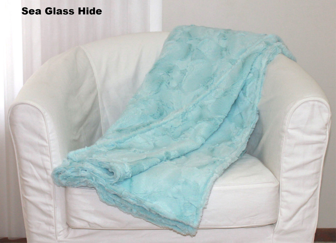 Soft Cuddle Fur Petite Throw