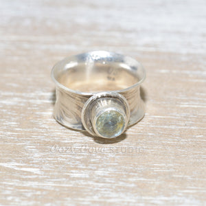 Sterling silver ring with a green amethyst (R639)