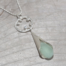 Load image into Gallery viewer, Sea glass drop necklace in sterling silver. (N642)