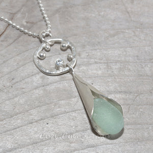 Sea glass drop necklace in sterling silver. (N642)