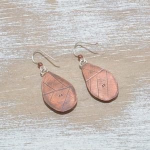 Vintage sea pottery dangle earring in hand crafted copper settings. (E666)