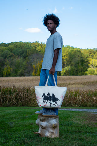 LET THE HORSES RUN TOTE