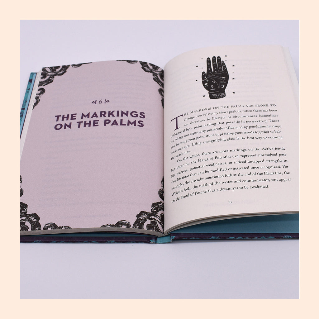 A Little Bit of Palmistry: An Introduction to Palm Reading (Volume 16) (Little Bit Series) by Cassandra Eason