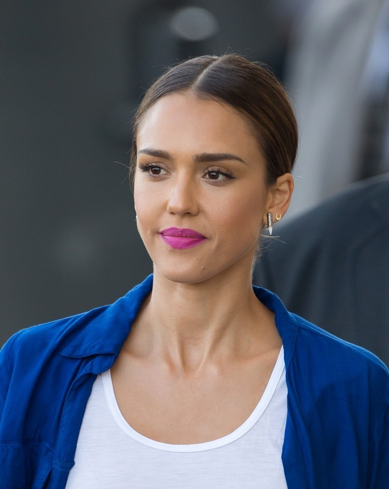 Jessica Alba with Lilu Earrings