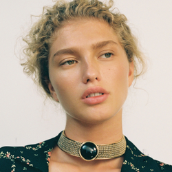 TROYA Choker necklace