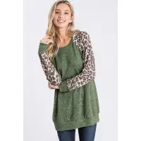 GREEN AND LEOPARD PRINT CONTRAST TOP
