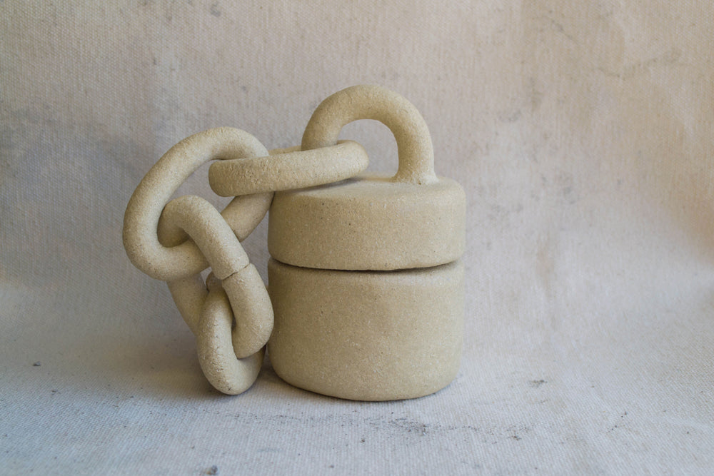 Lidded Container with Chunky Chain