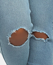 Load image into Gallery viewer, Distressed Jeans - Blue - Belladeem