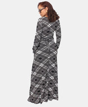 Load image into Gallery viewer, Maxi Dress - Black-White - Belladeem