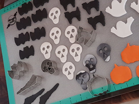 Halloween Cupcake Toppers Skull Scary Cat Pumpkin Bat Ghost