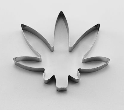 Marijuana Leaf Cookie Cutter 8.5 cm