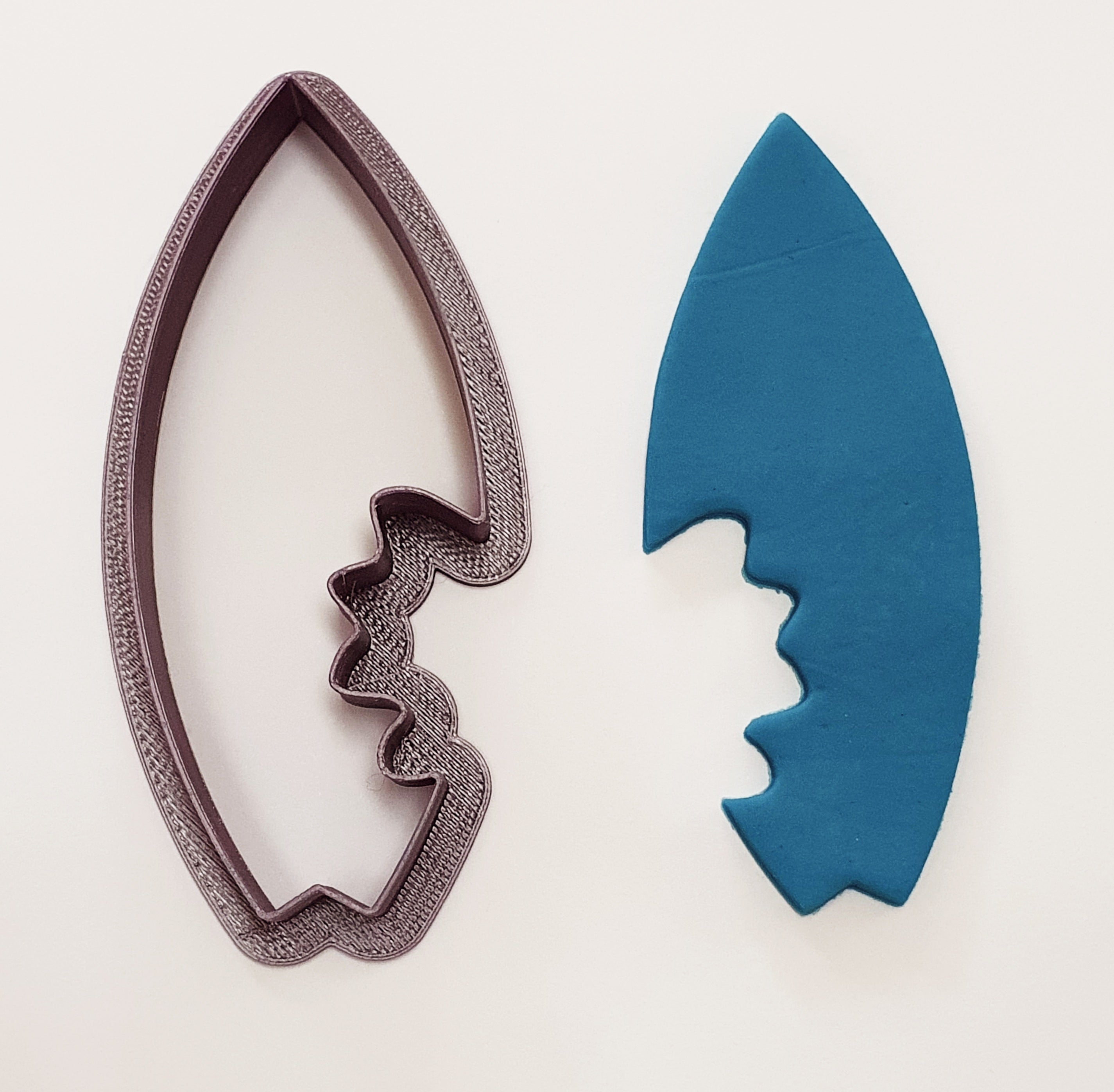 Surfboard Cookie Cutter with Bite 10cm