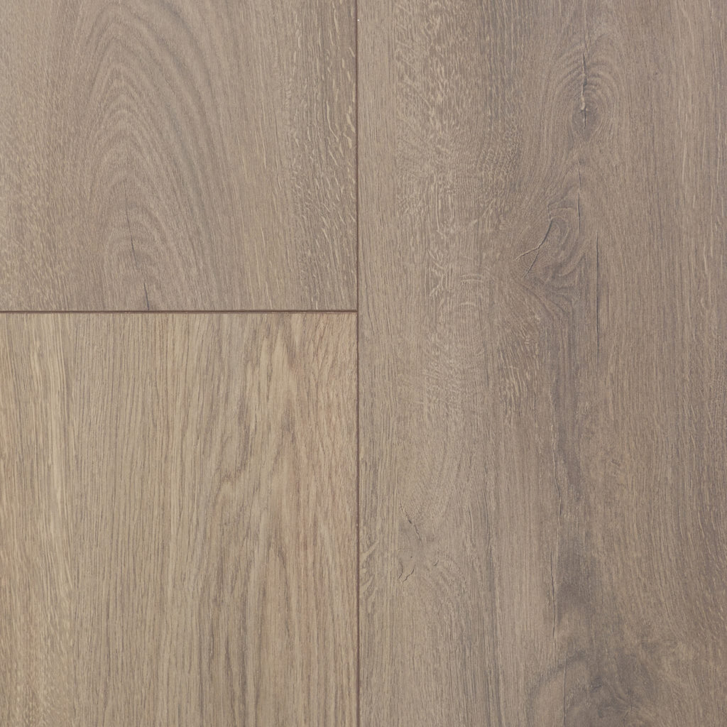 Swiss Sync Chrome Laminate. Colour 'Montreux Oak'