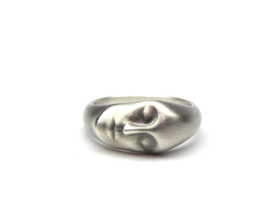 Grey Lady Ring