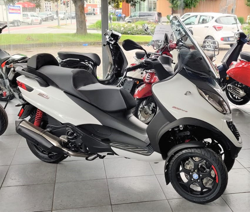 Piaggio MP3 500 Business hpe ABS ASR Weiß