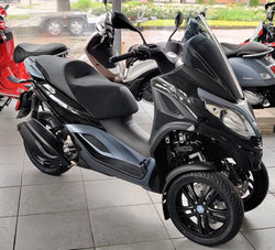 Piaggio MP3 300 Business hpe ABS ASR Deutschland
