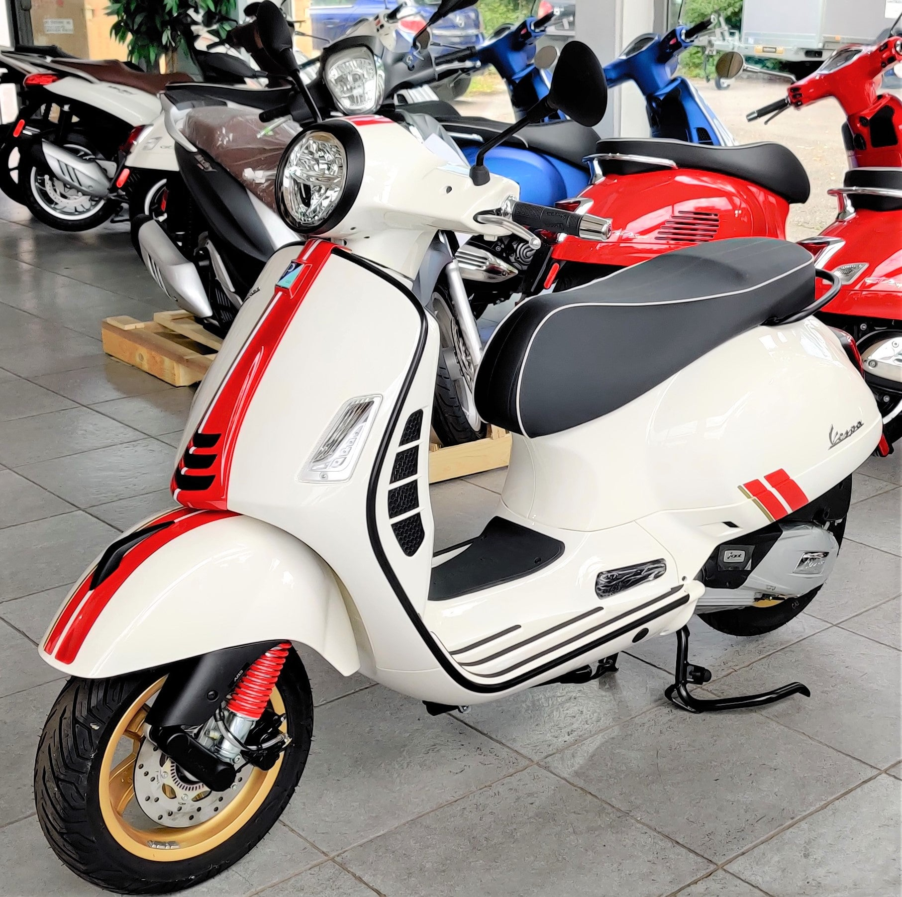Vespa GTS SUPER 300 Racing Sixties Edition