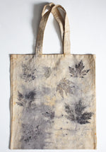 Load image into Gallery viewer, Tote bag with leaf press dye
