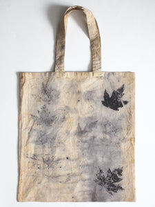 Tote with natural leaf press dye