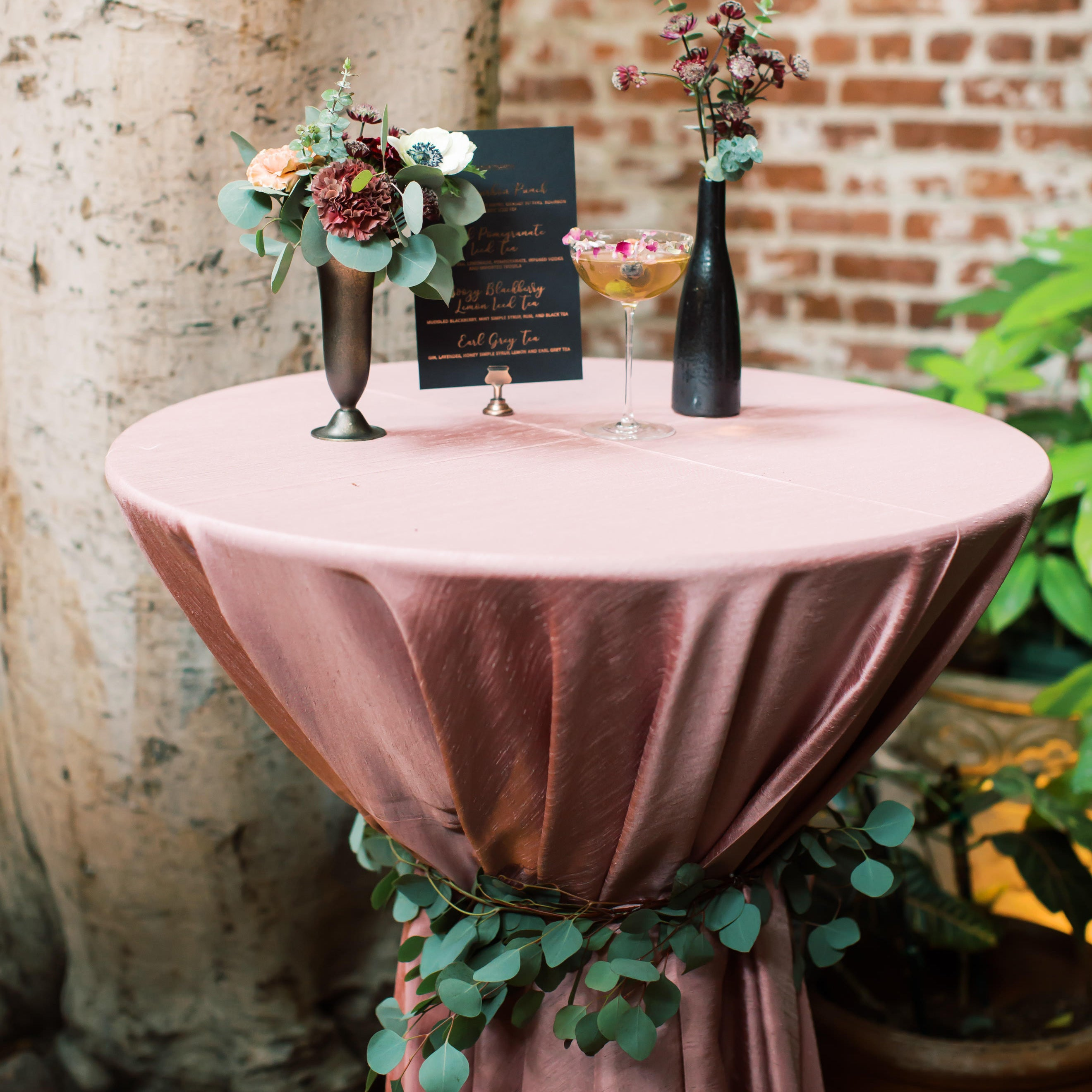 Cocktail Table Wrap Garland