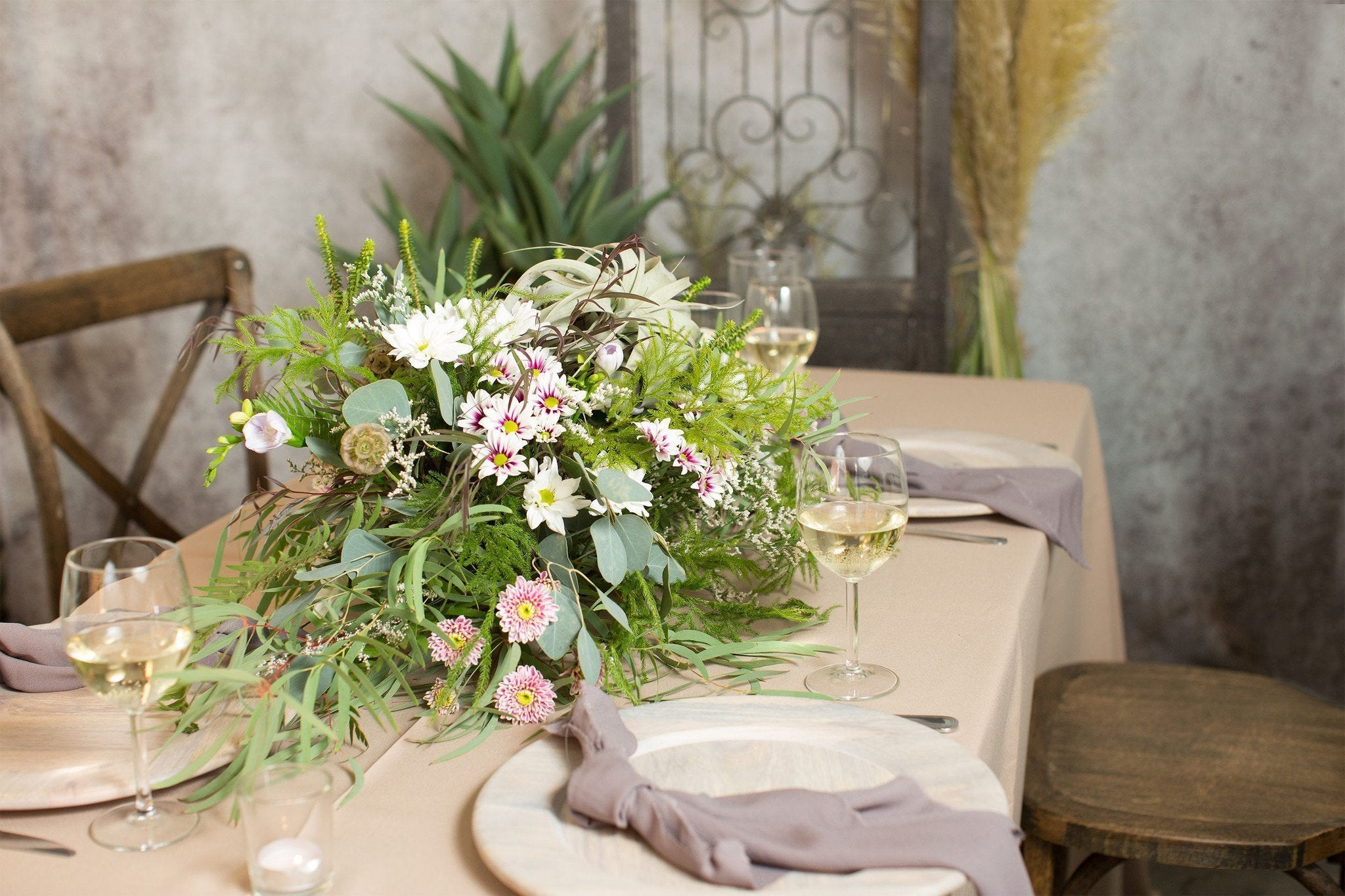 Archway and Sweetheart Table Arrangement