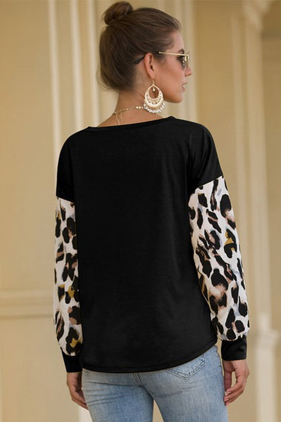 Long Sleeve Top with Leopard accent