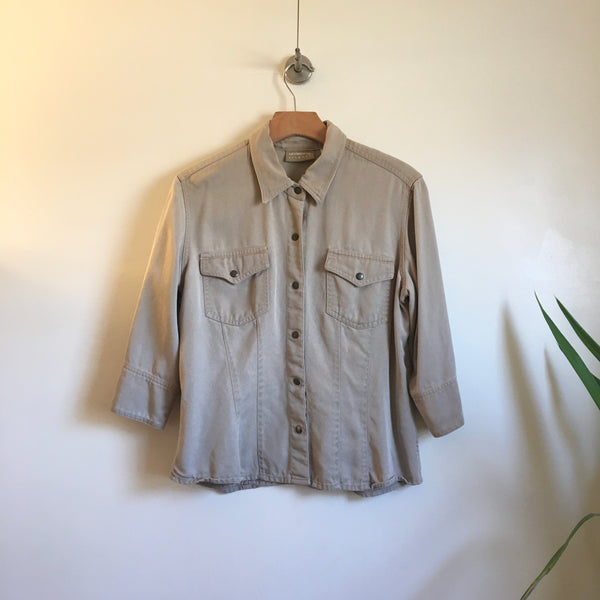 Hey Tiger Louisville Kentucky // Vintage 90s Liz Claiborne snap up blouse // size medium //  button up shirt // retro prep normcore fall winter