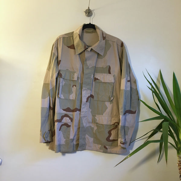 Hey Tiger Vintage desert camo military army shirt jacket coat // size Large regular // unisex camouflage