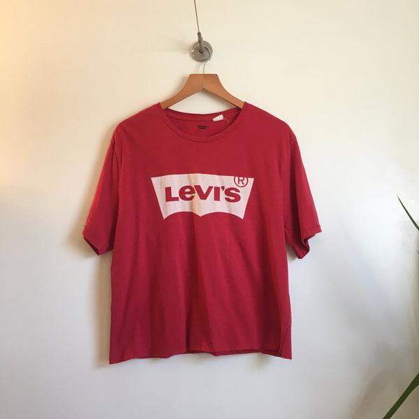 Upcycled recycled LEVIS spell out cropped crop top Logo tee // unisex Large