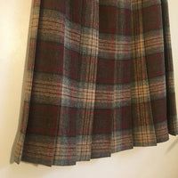 Vintage pleated plaid wool blend skirt Union Made in the USA // size 11