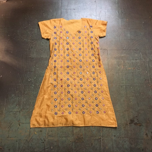 Vintage indian Pakistani embroidered traditional dress // kurta kurti Bollywood