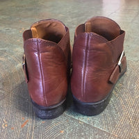 Hey Tiger Vintage 90s UNISA brown leather buckle ankle booties // 9.5 Narrow 9 1/2 AA // Chelsea Beatle boots