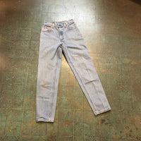 Vintage LEVIS 550 red tab jeans // size 5 JR // light wash denim // relaxed fit tapered leg