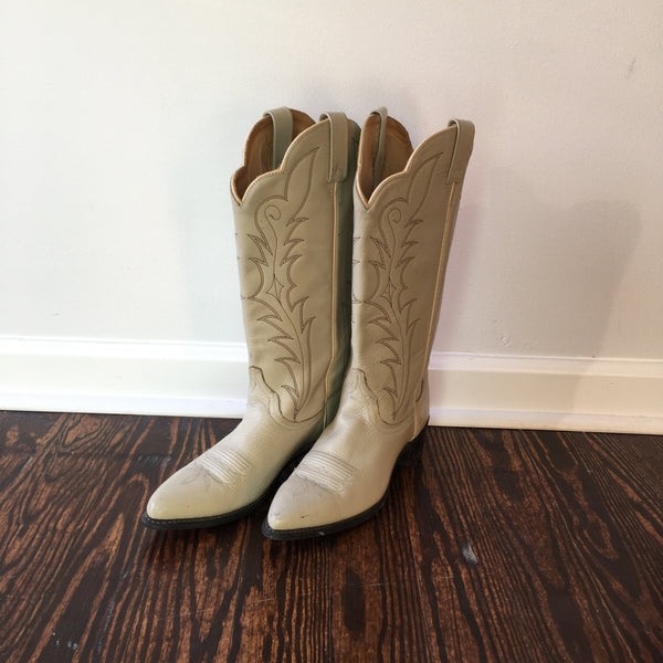 Vintage Ivory Cream leather Western Boots // size 9 1/2 // boho hippie // hey tiger louisville kentucky