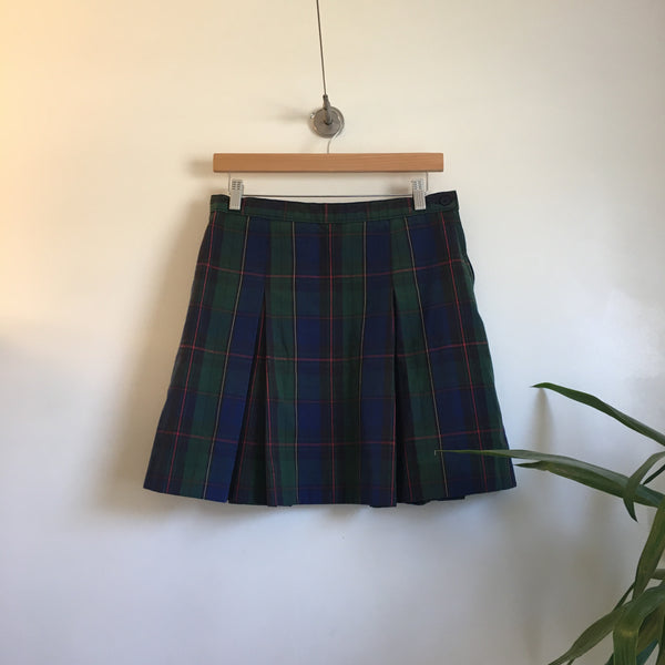 Vintage 90s pleated plaid school girl skirt // Size 10 // red and green blue plaid // spring grunge prep punk // hey tiger louisville kentucky