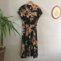 Vintage 70s 80s floral print button front belted midi maxi dress // size 14 // made in USA // hey tiger louisville kentucky