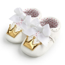 Load image into Gallery viewer, New Baby Girl Shoes Lace PU Leather Princess Baby Crown Shoes First Walkers Newborn Moccasins For Girls