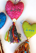 Load image into Gallery viewer, Tassel Heart Set