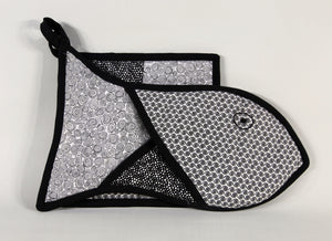 'Pwason' Fish Oven Mitt Set