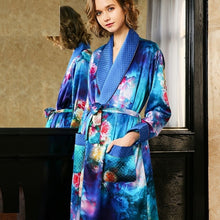 Load image into Gallery viewer, 100% Silk robe