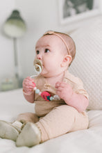 Load image into Gallery viewer, Loulou Lollipop Pacifier Clip - Strawberry