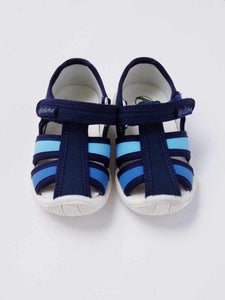 Boy's blue fisherman sandals