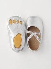 Load image into Gallery viewer, Baby girl's silver ballet flats