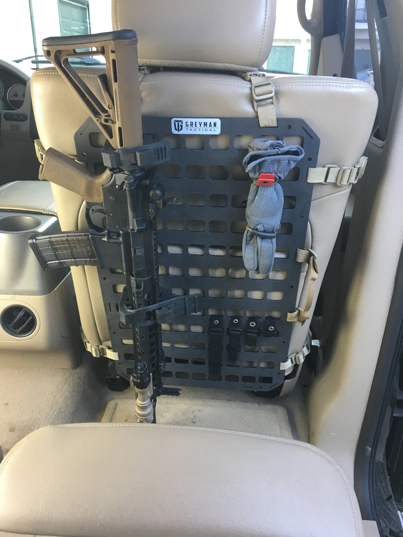 Vehicle vertical gun mount on back seat