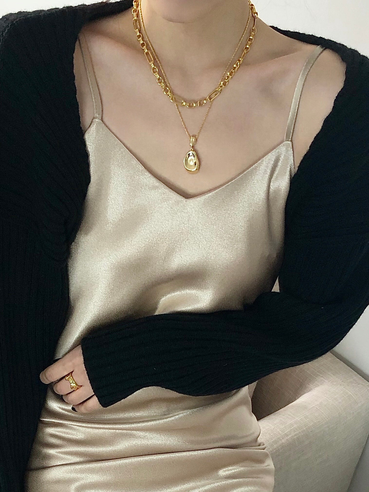 Aria Gold Collarbone Necklace
