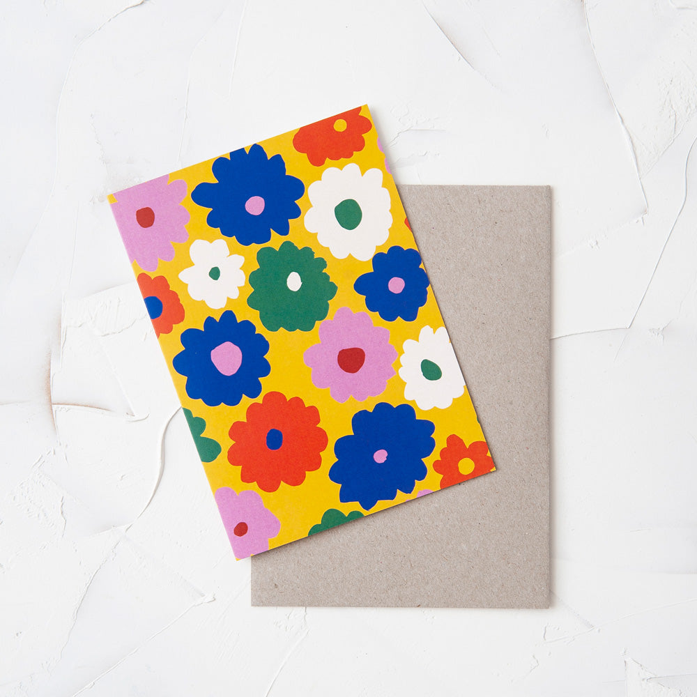 Image shows a single greeting card paired with a kraft envelope.