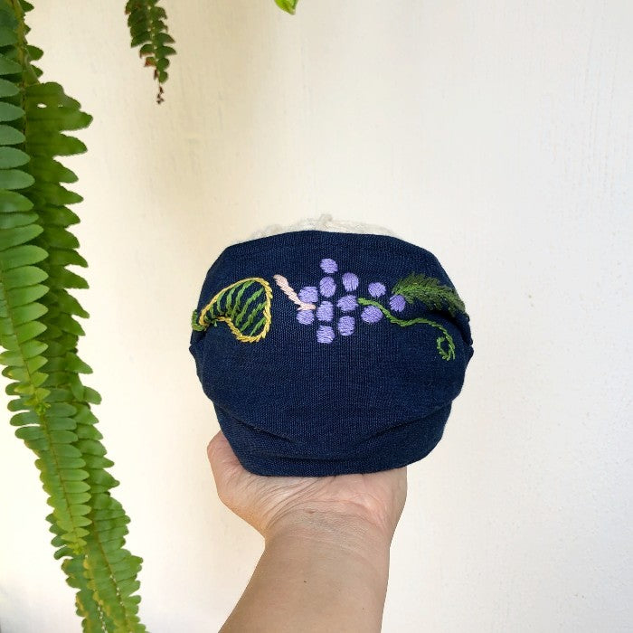 Hand-embroidered cloth mask: Fruits and Barriletes