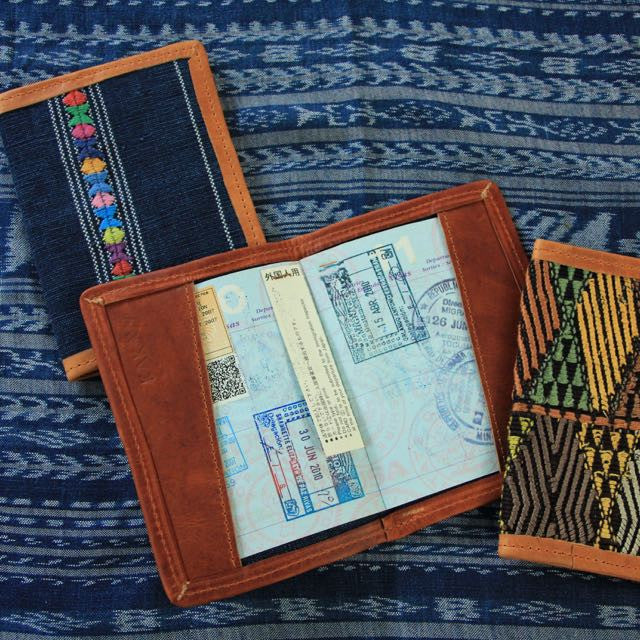 Corte Passport Cover