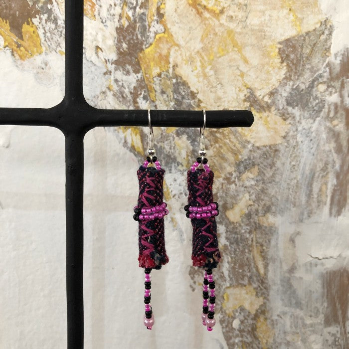 Short Earrings 4: Black and Pink