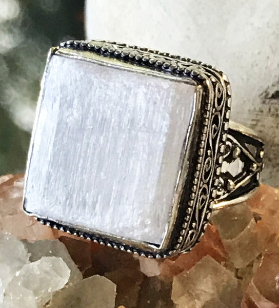 Selenite Natural Gemstone .925 Sterling Silver Ring (Size 9)